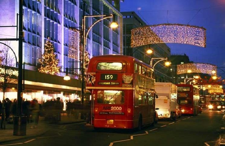"""Wielka Brytania: Pracownik resortu nie powinien życzyć """"Wesołych Świąt"""""""