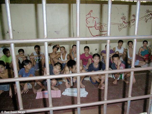 Filipiny: Bezdomne dzieci zamykane w więzieniach przed wizytą papieża