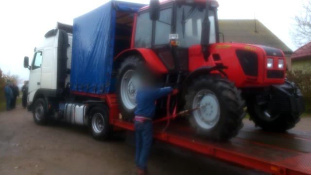 Komornik zajął ciągnik rolnika za długi sąsiada