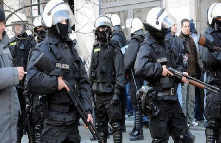 Policja zostanie wyposażona w karabiny automatyczne AK