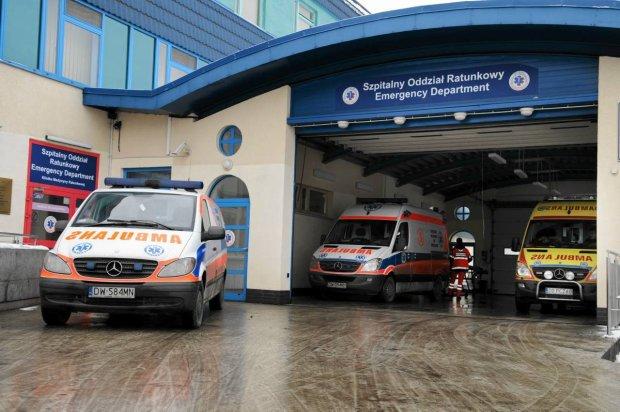 Lublin: Czteroosobowa rodzina w szpitalu po domowych egzorcyzmach