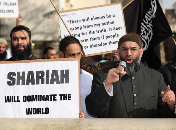 Imam Anjem Choudary: Pewnego dnia prawo szariatu zostanie wprowadzone także w Polsce
