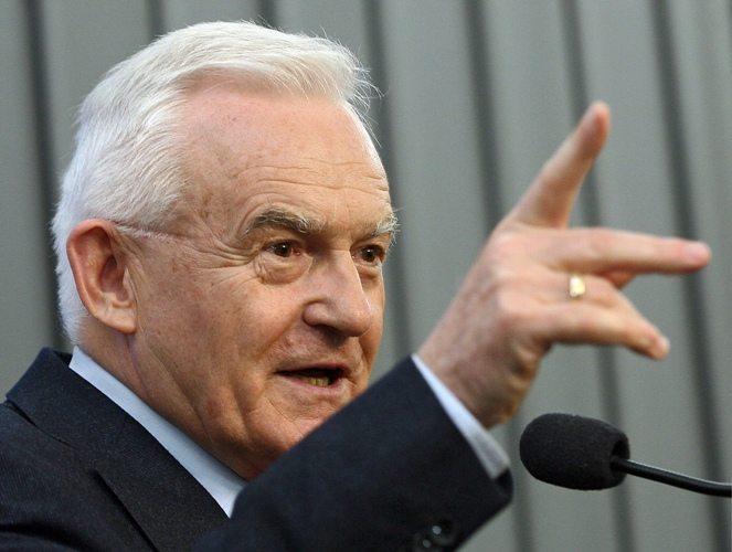 Miller: UPA odpowiada za ludobójstwo Polaków. Ukraińcy, ścigajcie mnie