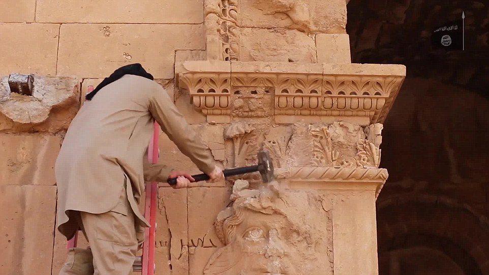ISIS opublikowało kolejny film dokumentujący dewastację starożytnego miasta