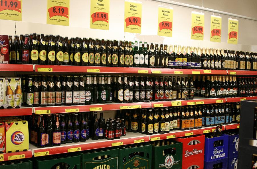 Polska ustawowo podniesie ceny za alkohol? Minimum 4 zł za piwo, 32 zł za wódkę