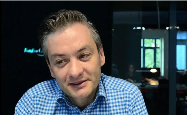 (Prima Aprilis) Transfer roku! Robert Biedroń przechodzi do partii KORWiN (video)