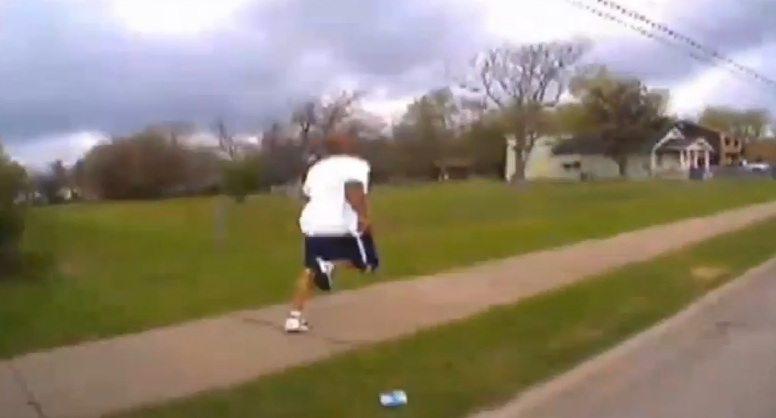 Fatalna pomyłka policji. Zamiast paralizatora użyli broni palnej (VIDEO)