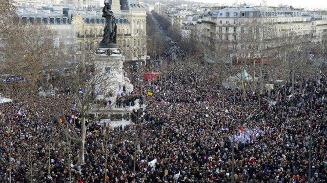 Francuzi protestują przeciwko oszczędnościowej polityce rządu
