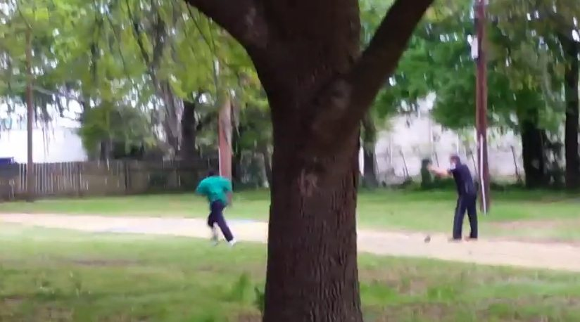 USA: Policjant strzelił nieuzbrojonemu mężczyźnie w plecy