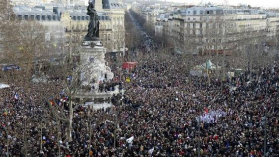 manifestacja paryż