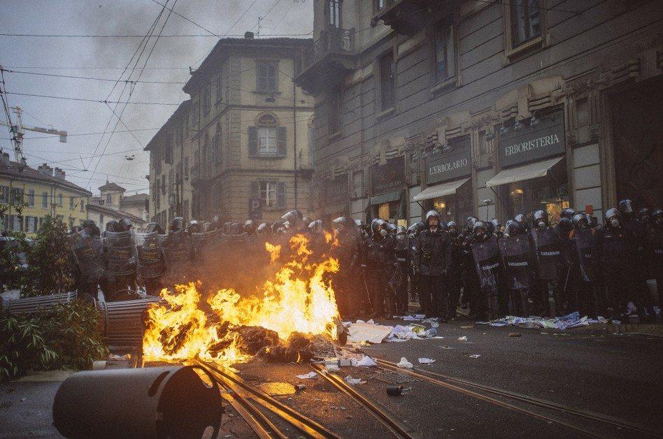 Atak neonazistów w Niemczech, anarchiści podpalili Mediolan!