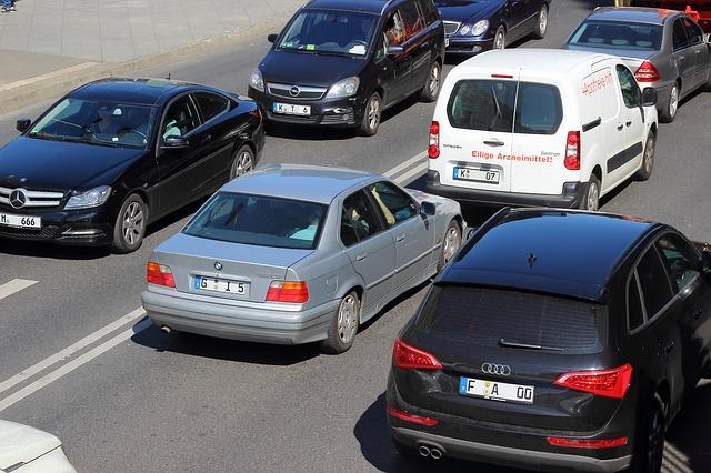 Nowe restrykcyjne prawo drogowe nie obejmie polityków i sędziów