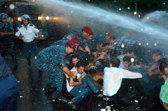 Armenia: Demonstracje zmusiły rząd do wstrzymania podwyżek cen energii