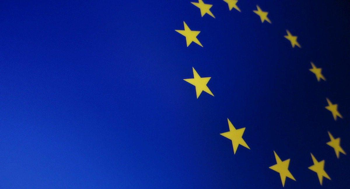 DGP: UE chce tylnymi drzwiami wprowadzić inwigilację internetu