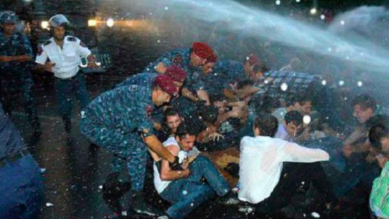zamieszki w armenii