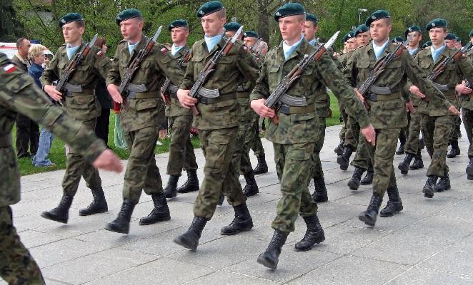 Akademia Obrony Narodowej: Armia nie obroni naszych granic