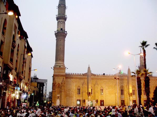 Atak ISIS w Kairze: wybuchł samochód-pułapka pod ambasadą Włoch