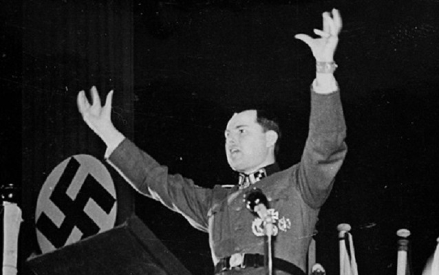 """Komorowski """"uczcił"""" nazistę obrażając Powstańców"""