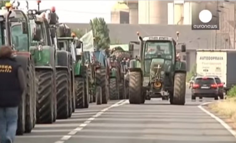 Francuscy rolnicy blokują granicę. Obwiniają Polaków