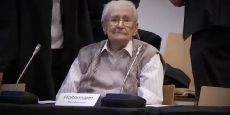 """""""Księgowy"""" z Auschwitz skazany na 4 lata więzienia"""