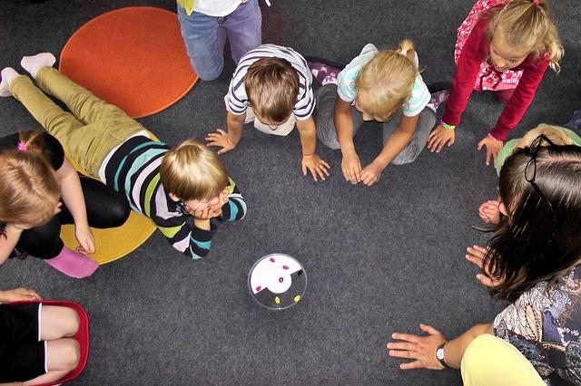 Ministerstwo: Dwulatki do przedszkoli