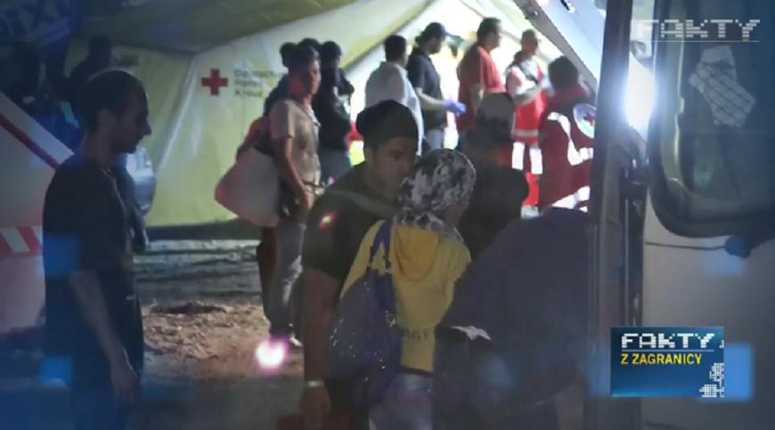 Fala uchodźców w Niemczech: ośrodki przepełnione, powstają miasteczka namiotowe