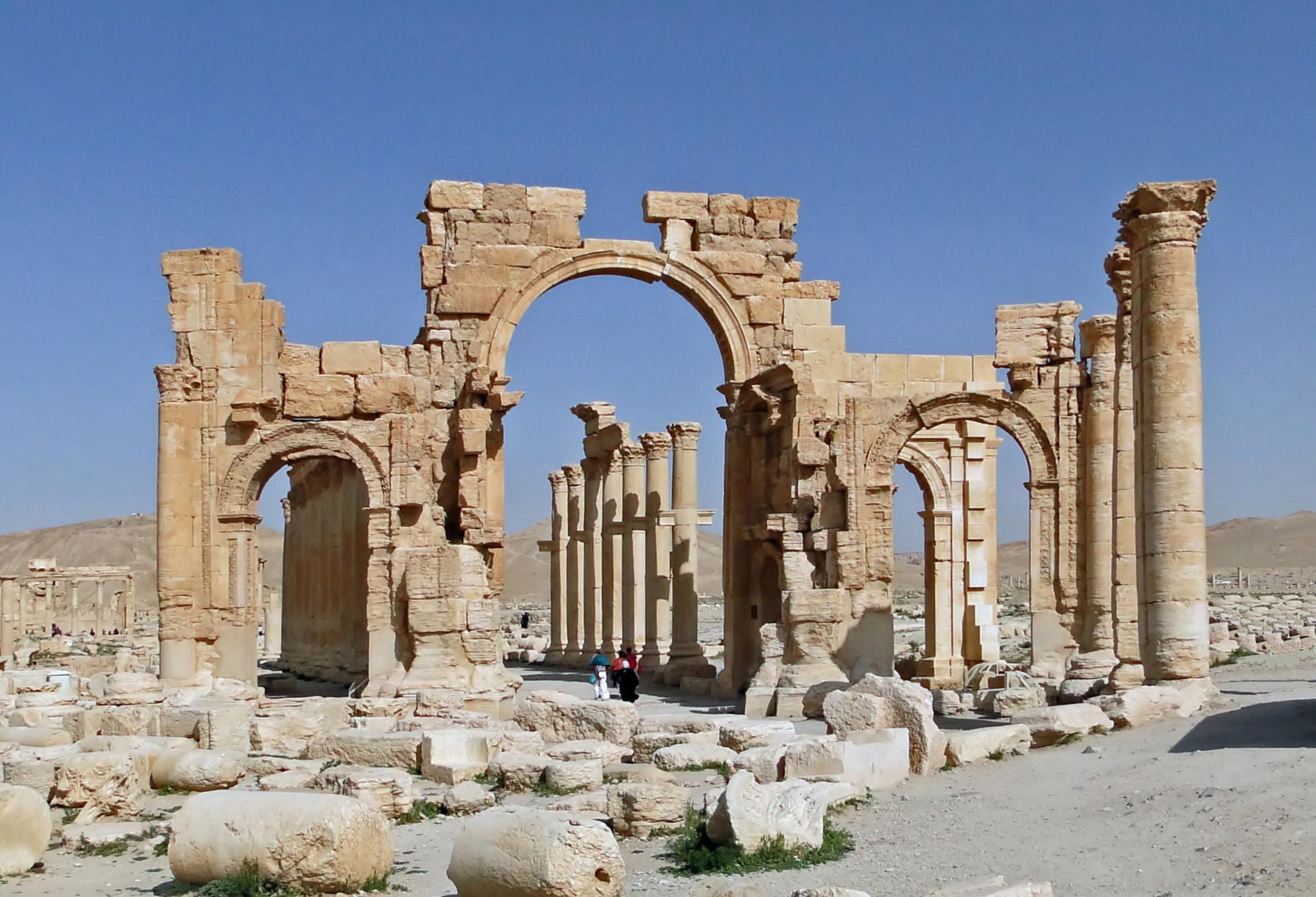 ISIS niszczy starożytne zabytki