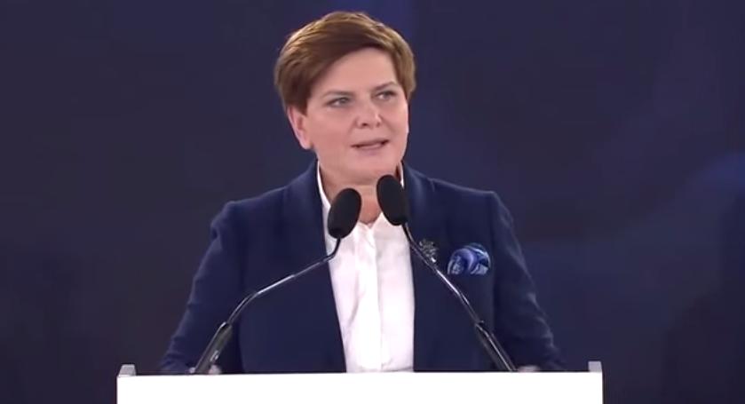"""Szydło zakrzyczana w Nowej Soli. """"Żałosny spektakl, kłamiecie"""""""
