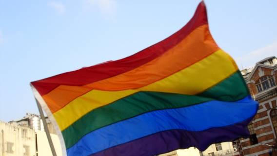 3 lata za obrazę geja, 5 za groźby. PO przyspiesza prace nad projektem