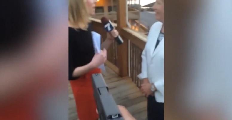 Szokujący film z zabójstwa dziennikarzy podczas relacji na żywo (VIDEO +18)