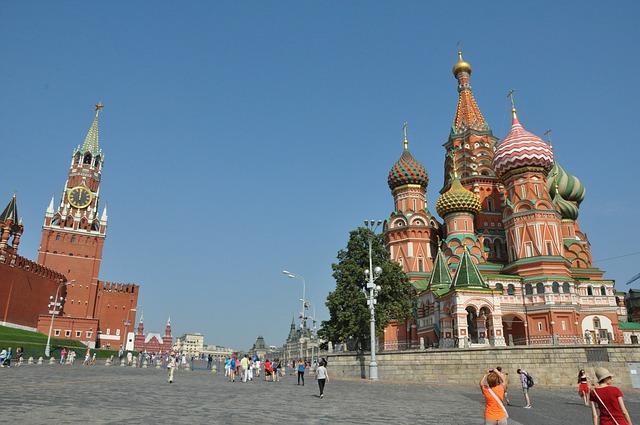 Rosja: sygnalizacja świetlna w szczerym polu