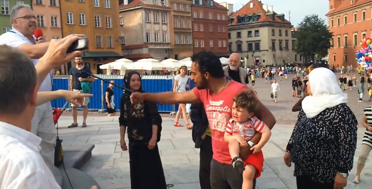 Warszawa: awantura o dzieci z imigrantami (video)