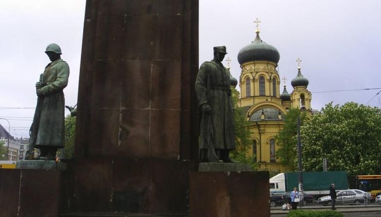 Sąd: Dewastacja komunistycznego pomnika to czyn patriotyczny