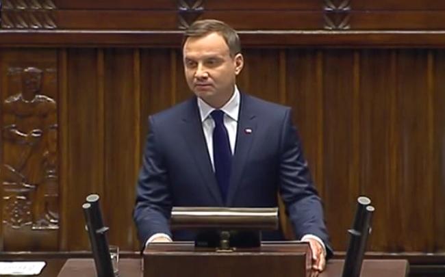 Prokuratura zbada sprawę przejazdów Andrzeja Dudy