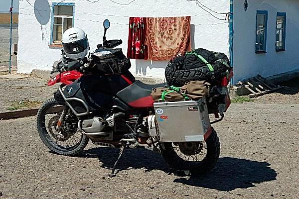 Objechał pół świata, motor ukradli mu w Polsce. Złapmy złodzieja!