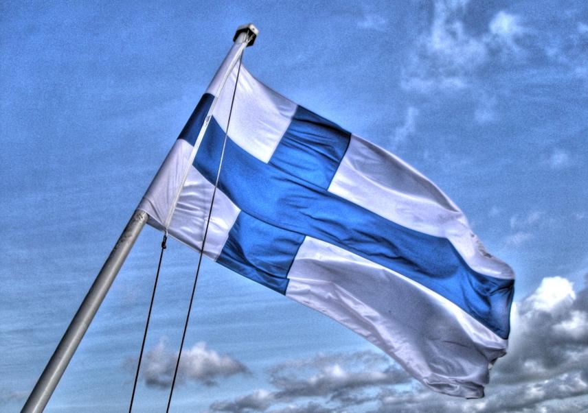 Lider fińskich Narodowców: należy zaczipować osoby biorące zasiłki i śledzić je
