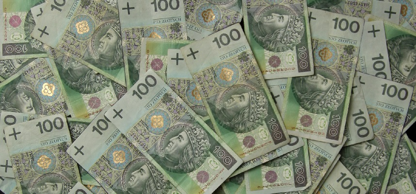 Przez rządową pomoc dla frankowiczów do budżetu trafi o 5 mld zł mniej