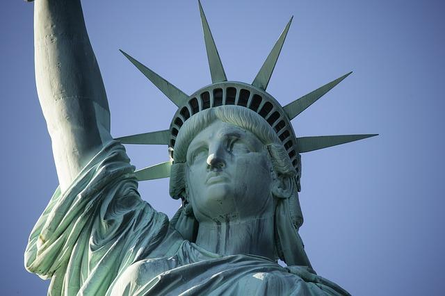 """Nowy Jork: Protesty przeciw zakazowi topless. """"Piersi nie są seksualne"""""""
