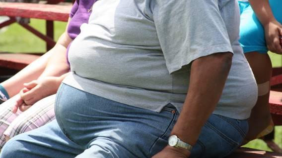 Linie lotnicze będą ważyć otyłych pasażerów
