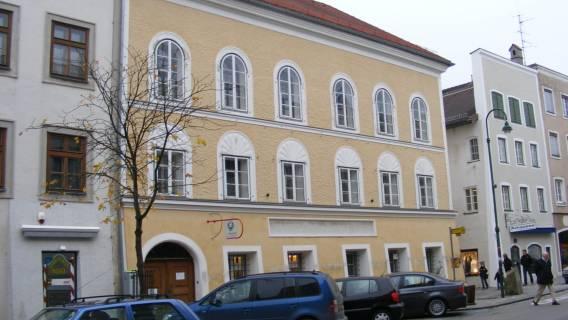 Dom Adolfa