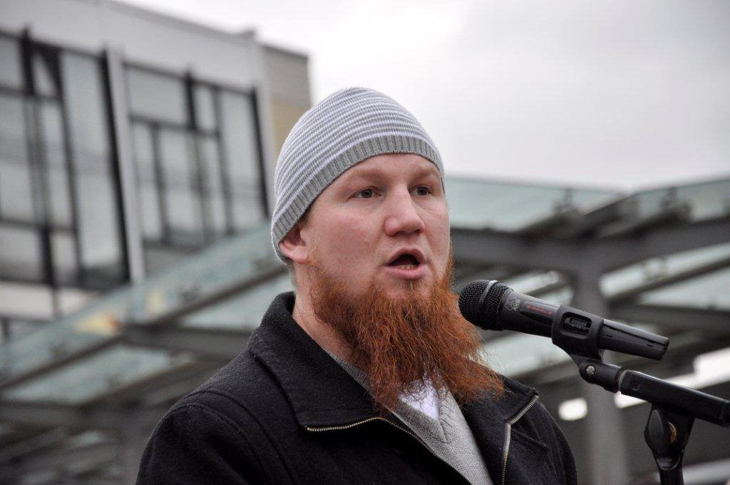Niemcy: Salafita rekrutuje uchodźców. Służby podejrzewają go o terroryzm