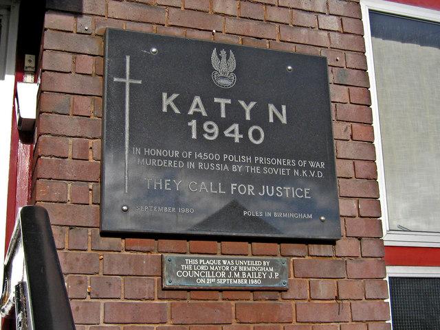 Rosjanie chcą usunięcia pomników pamięci zbrodni katyńskiej