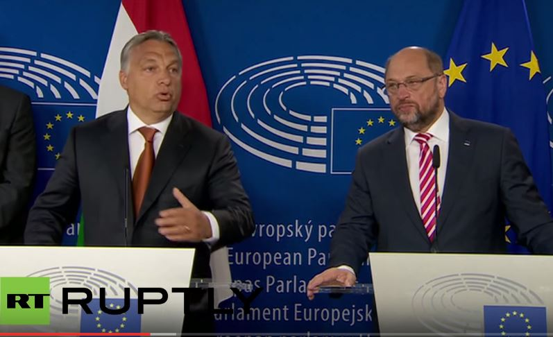 Szef PE grozi użyciem siły wobec krajów, które nie przyjmą imigrantów (video)