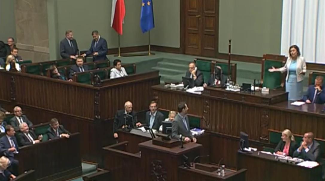 Kabaret w Sejmie. Marszałek się obraża i wychodzi z sali