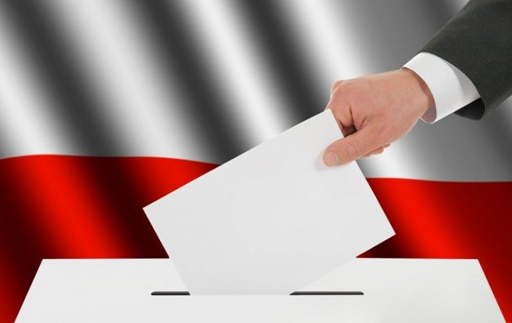 Nowy sondaż: PiS prowadzi, PO stabilnie, KORWiN wysoko, 7 partii w Sejmie