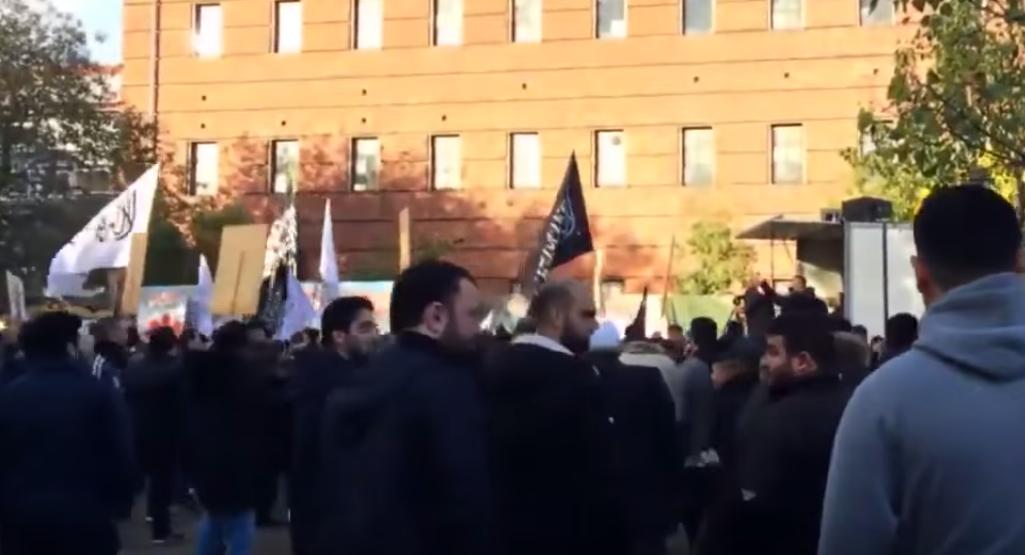 Dania: Marsz na rzecz wprowadzenia szariatu na świecie (video)