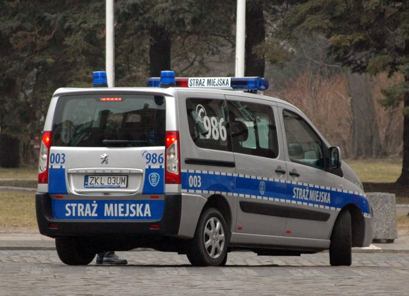 Straż miejska założyła blokadę na samochód prezydenta Dudy