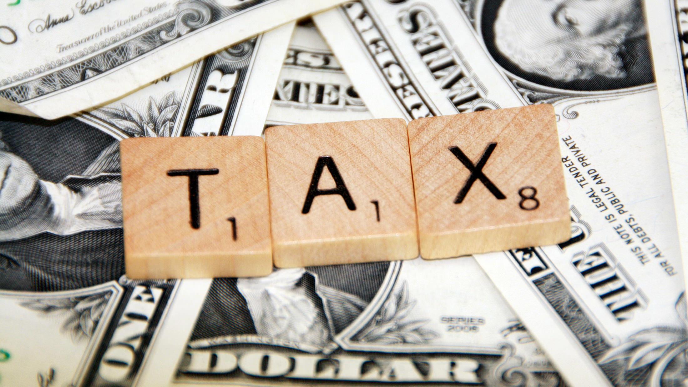 Kto zapłaci za nowe podatki? Przerzucanie podatków - mit?