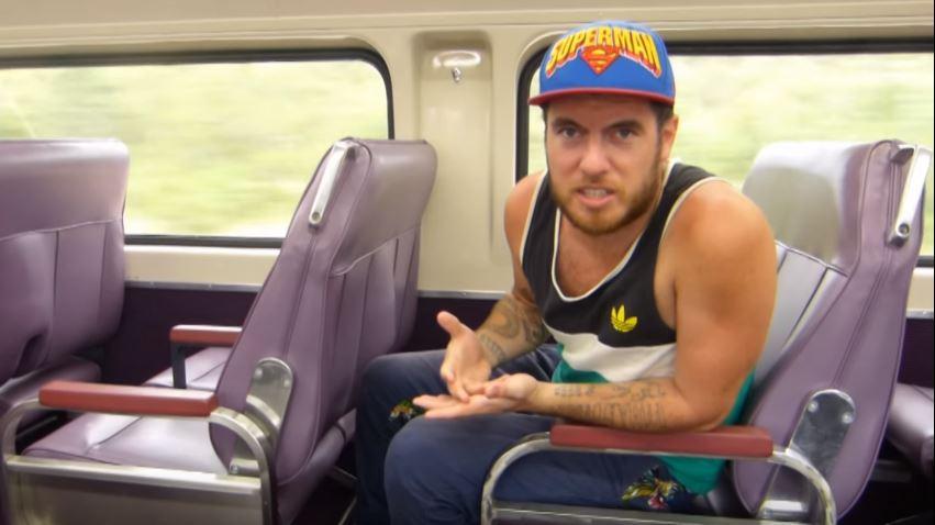 Sprytne rozwiązanie problemu foteli w australijskiej kolei (video)