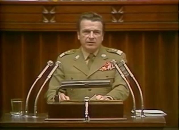 """Wyciekł list Kiszczaka! """"Dokumenty opublikujcie 5 lat po śmierci Wałęsy"""""""